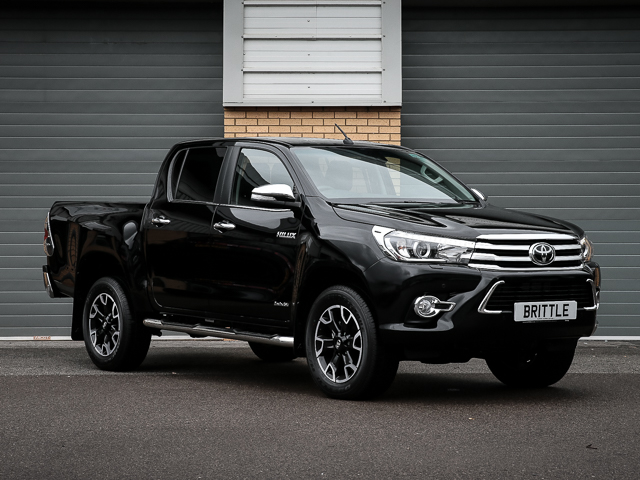 HILUX INVINCIBLE X 2.4 D-4D 6-SPEED AUTOMATIC DOUBLE CAB PICK UP – 150BHP (NEW SHAPE/2017MY